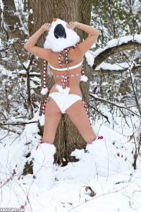 Nikki Sims Frosty Nips 3
