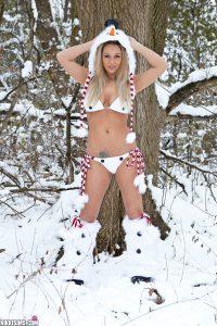 Nikki Sims Frosty Nips 1